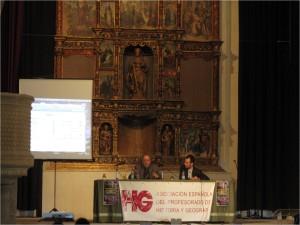 J.P. Fusi y L. Horrillo en una conferencia organizada por la AEPHG